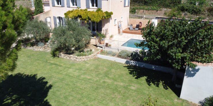 Superbe Villa avec vue dégagée sur le village d'Aubignan